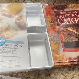 Wilton mini loaf pan with cake cookbook